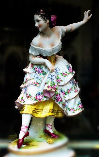 Fig, Porcelain, Porcelain Figurine