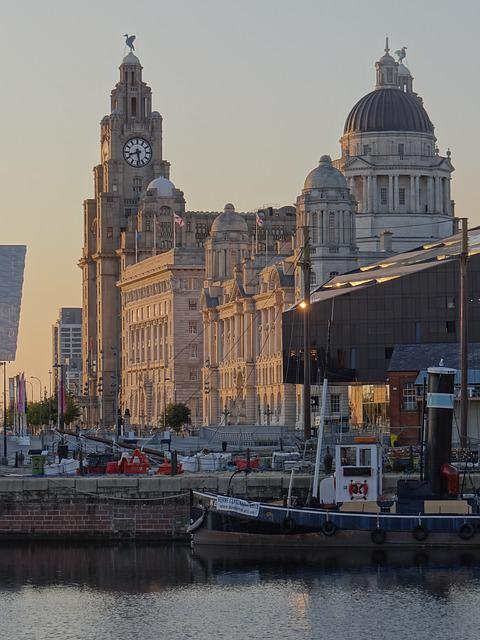 Liverpool, Liver Building, Port, England