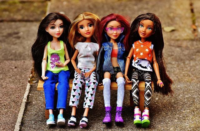 Girl, Girlfriends, Friendship, Clique, Doll, Pretty