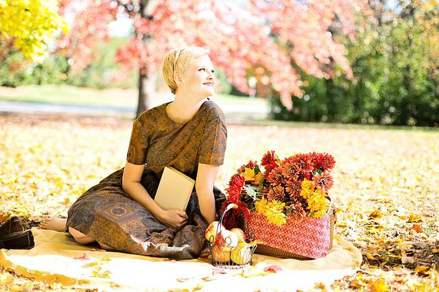 Young Woman, Fall, Autumn, Vintage, Pretty, Reading