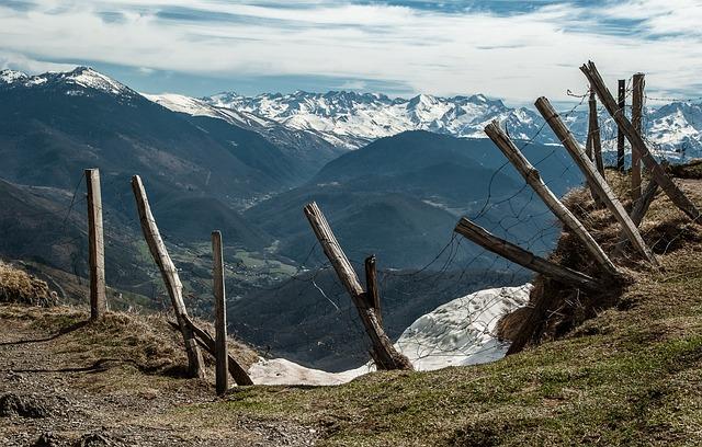 Pyrénées, Béarn, Mountain Pastures, Closing, Valley