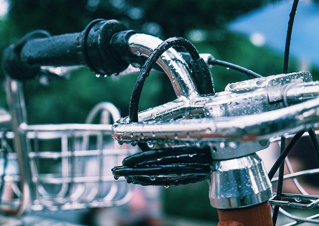 Bicycle, Rain, Street Photography, Urban Scene