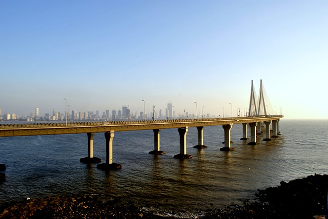 Rajiv Gandhi Sea Link, Suspension Bridge
