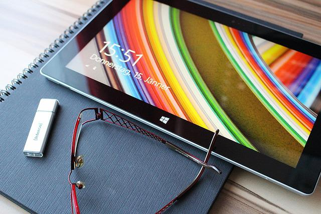 Tablet, Touch Screen, Reading Glasses, Usb Stick