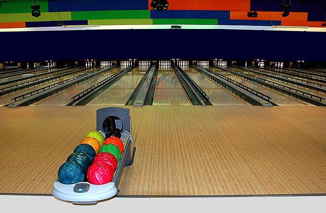 Bowling Alley, Bowling, Sport, Leisure, Recreation