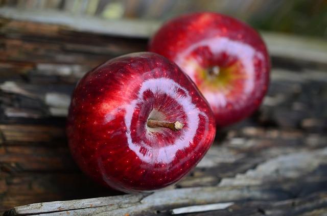Apple, Red Apple, Fruit, Red, Healthy, Vitamins, Fresh
