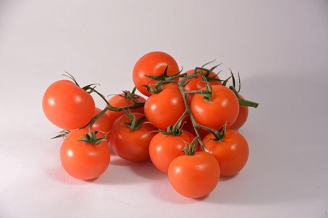 Tomatoes, Red, Eating, Food, Vegetable Garden