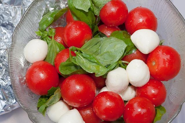 Salad, Tomatoes, Trusses, Red, Green, Basil, Mozarella