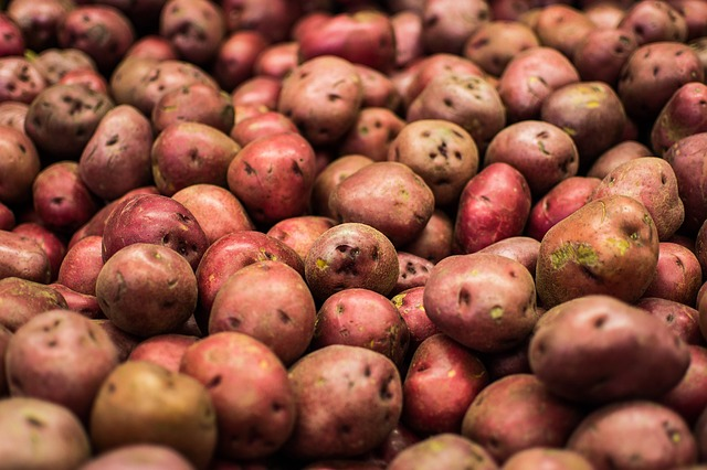 Food, Fruit, Red, Fresh, Apple, Healthy, Market, Potato