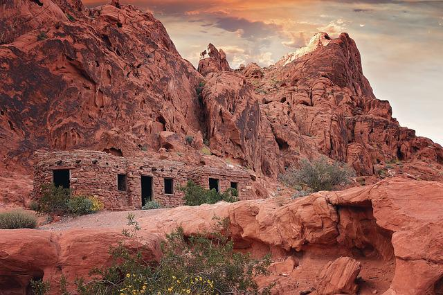 The Cabins, Valley Of Fire, Hiking, Red Rocks