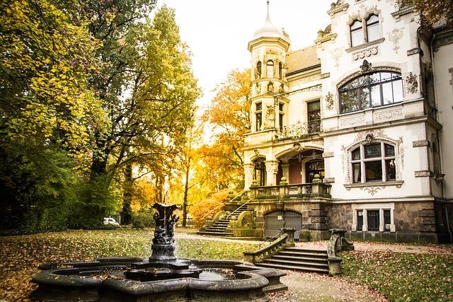 Registry Office, Dresden, Fountain, Autumn