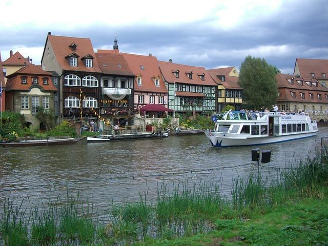 Bamberg, Small Venice, Regnitz, Ship, Row Of Houses