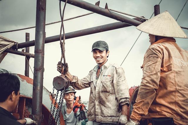 Labor, Repair, Sea, Smile, Tanker, Team, Vietnam, Work