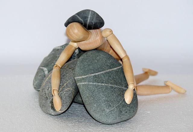Holzfigur, Stones, Life Struggle, Resistors