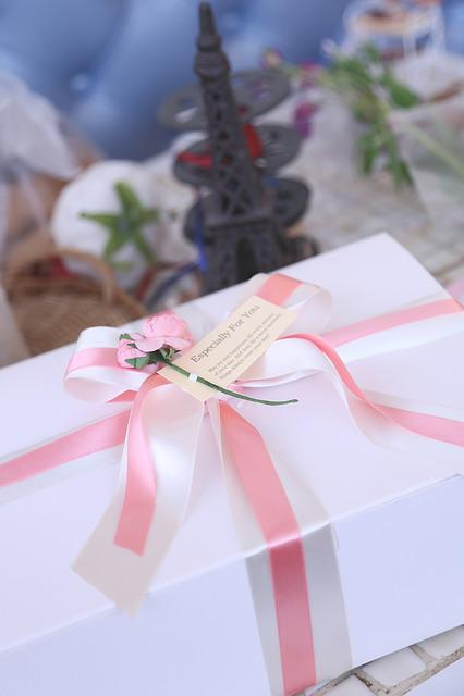 The Eiffel Tower, Box, Gift, Ribbon, Table, Gift Box