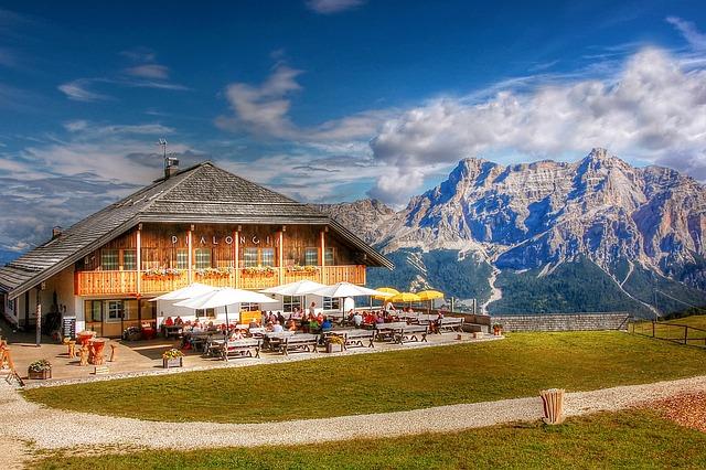 Pralongia, Hut, Rifugio, Alta Badia, Alm, Nature, Enjoy
