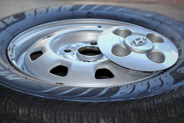 Mature, Wheel, Auto, Car, Auto Tires, Rim, Wheels