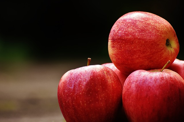 Apple, Red, Delicious, Fruit, Ripe, Red Apple, Frisch