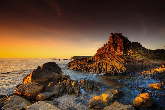 The Sea, Rock, Volcano, Cliff, Dungnham, Three Zan