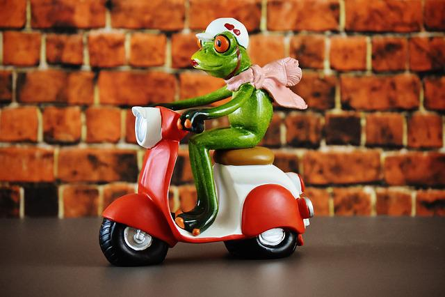 Vespa, Roller, Frog, Figure, Funny, Motor Scooter