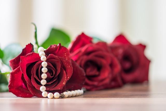 Gift, Rose, Decoration, Flower, Celebration, Romantic