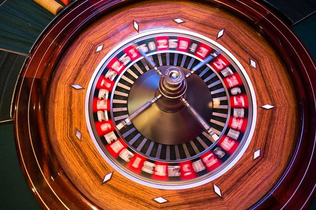Roulette, Roulette Wheel, Ball, Turn, Movement