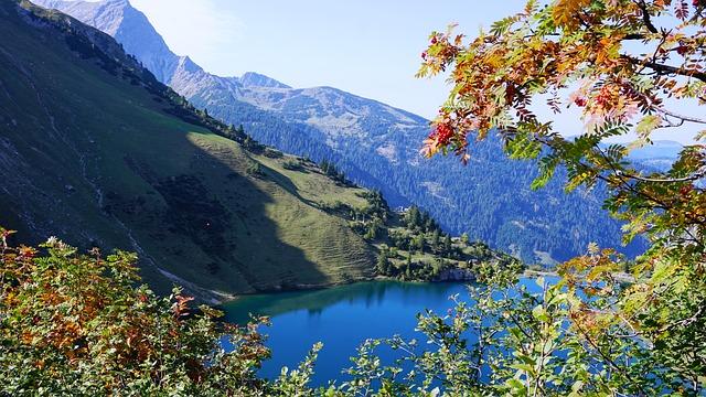 Wedding Mountain Lake, Landsberger Hut, Tannheim, Rowan
