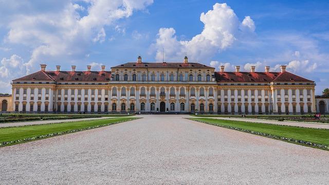 Castle, Royal
