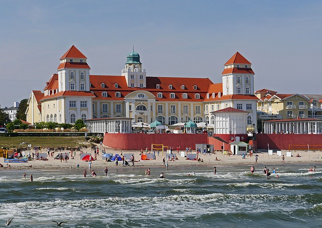 Rügen, Binz, Kurhaus, Baltic Sea, Beach, Swim, Surf