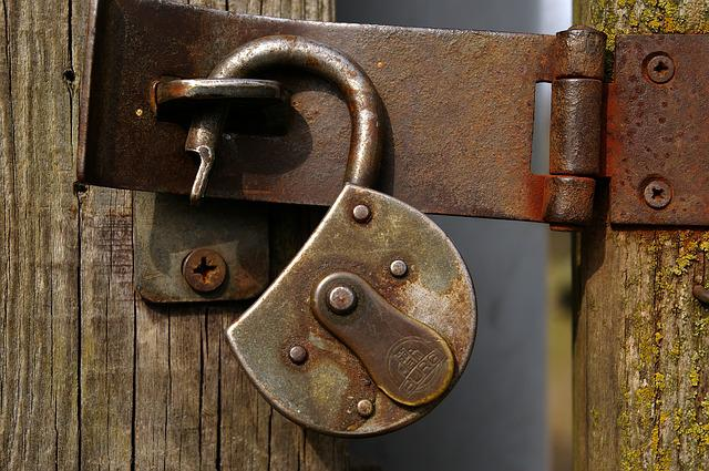 Castle, Padlock, Metal, Rust, Wooden Door, Closed, To