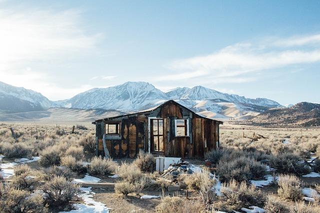 Cabin, Barn, Rustic, Hike, Outdoors, Derelict