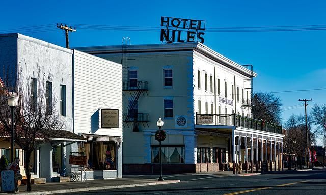 Alturus, California, Small Towns, Hotel, Saloon, Bar