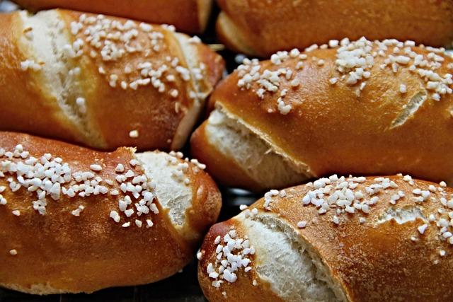 Fritters, Salty Snack, Baked Goods, Pretzels, Food, Eat