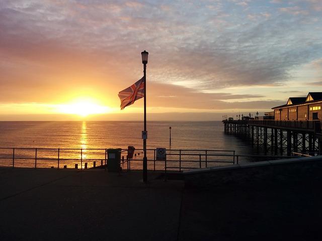 Teignmouth, Devon, Beach, Sand, Union Jack, Flag, Pier