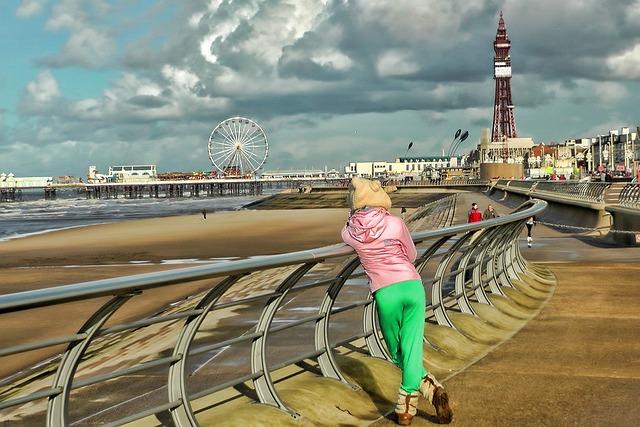 Blackpool, Sea, Pier, Sand, Beach, Woman, Hat, Pink