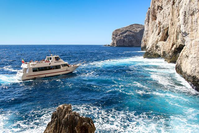 Capo Cacc, Sardinia, Italy, Sziklafok, Sea, Ship, Rocks