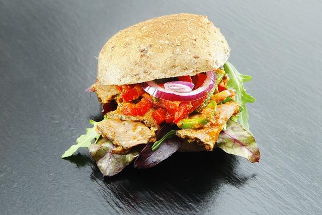 Sandwich, Sausage, Salami, Cucumber, Onion, Tomato