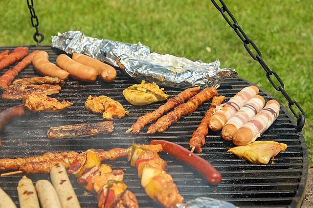 Barbecue, Meat, Sausage, Grilling, Schwenkgrill