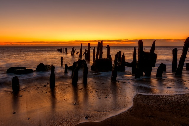Spurn Point, Groynes, Waves, Wooden, Sea Defences