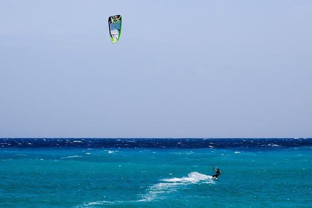 Kitesurfing, Sport, Sea, Extreme, Surfing, Kitesurfer