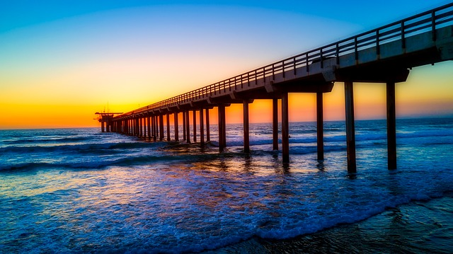 California, Scripps Pier, Landmark, Sea, Ocean, Seaside