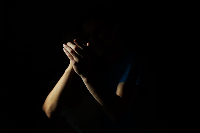 Clapping, Hands, Shadow, Poor, Light
