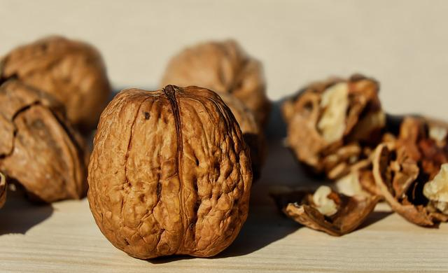 Walnuts, Shell, Nut, Brown, Snack, Delicious, Healthy