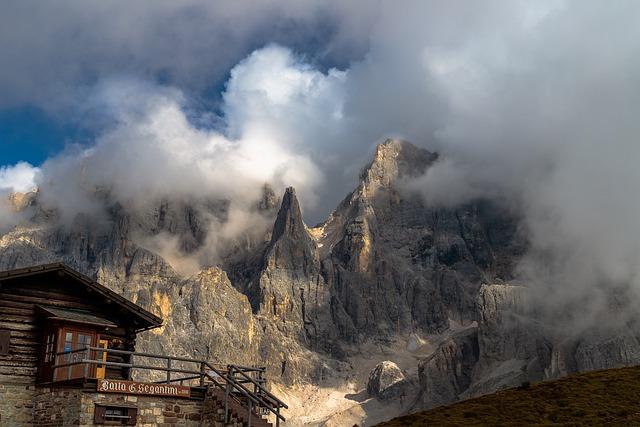 Pale Di San Martino, Dolomites, Dolomiti, Shelter