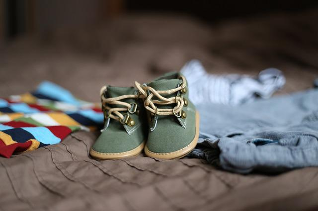 Shoes, Pregnancy, Child, Clothing, Family, Darling