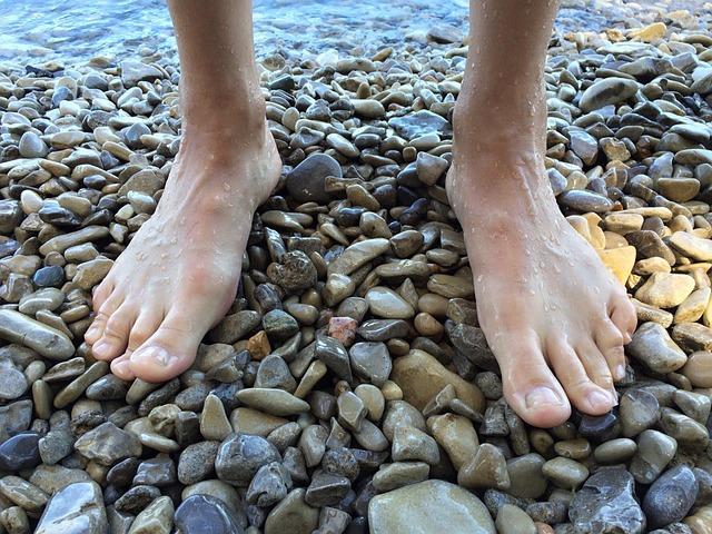 Feet, Barefoot, Beach, Lake, Shore