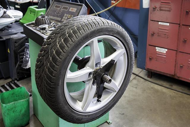 Mature, Auto, Workshop, Winter Tires, Tyres, Shut Off