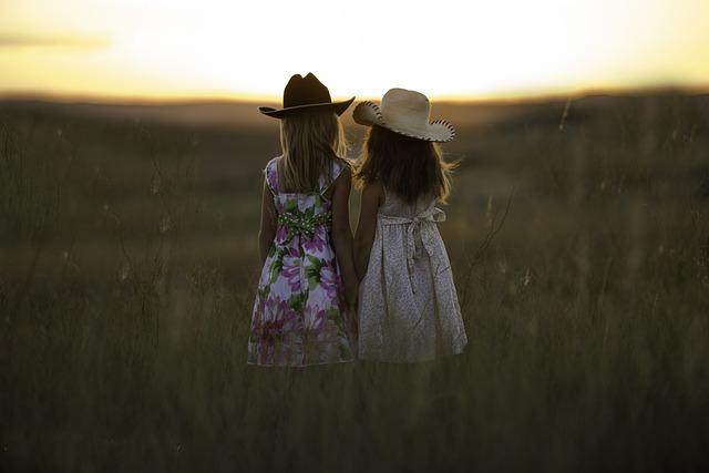 Sisters, Summer, Child, Girls, Childhood, Siblings
