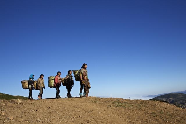 Sichuan Liangshan Yi, Yi Butuo, Poor Children