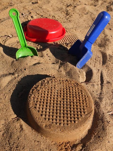 Sand, Digging, Sieve, Pokes Fun At, Blade, Sandalwood
